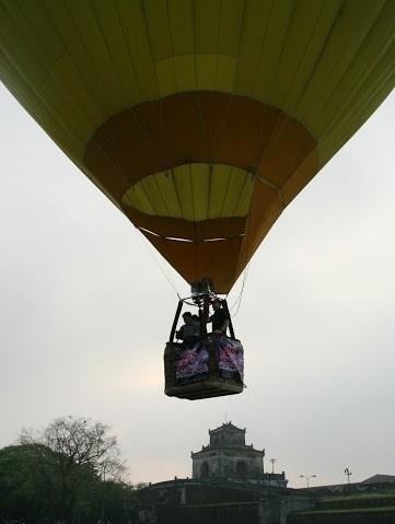 2016年国际氢气球节在顺化市举行 - ảnh 1