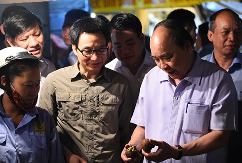 阮春福:河内要研究成立快速反应队模式 发现处理食品卫生安全违规行为 - ảnh 1