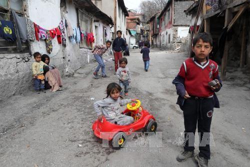 欧盟要求成员国加强保护移居儿童   - ảnh 1