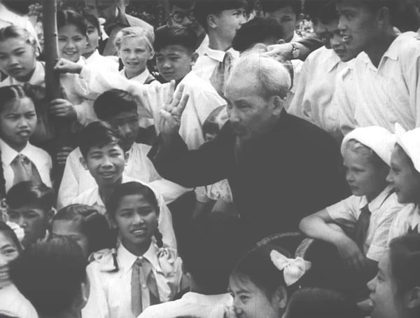 越南有关方面公布关于解放前西贡的珍贵纪录片 - ảnh 1
