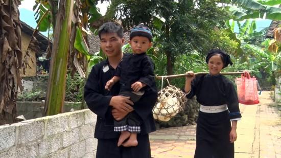 """越南北部山区高平省岱依族和侬族人过七月十五及""""回娘家""""的习俗 - ảnh 1"""
