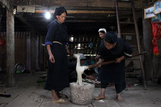 """越南北部山区高平省岱依族和侬族人过七月十五及""""回娘家""""的习俗 - ảnh 2"""