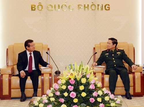 吴春历大将会见柬埔寨内务部国务秘书滕萨翁 - ảnh 1