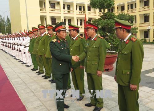 越南国会副主席杜伯巳视察奠边省 - ảnh 1