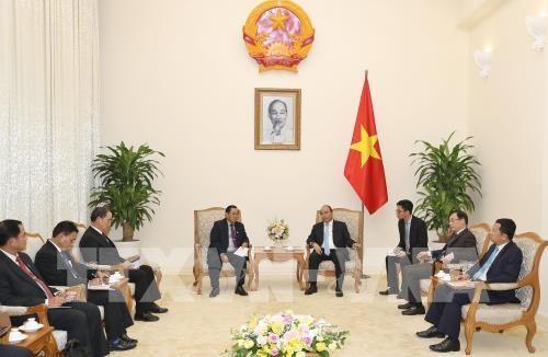 越南政府总理阮春福会见老挝国会副主席桑努 - ảnh 1