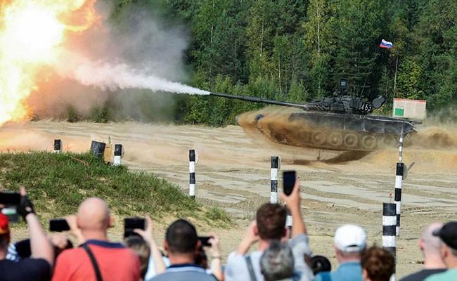 三十万俄罗斯士兵参加历史上规模最大的军事演习 - ảnh 1