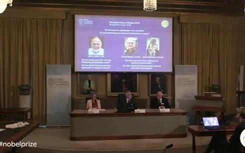 2018年诺贝尔物理学奖授予在激光物理学领域有突破性发明的三位科学家 - ảnh 1