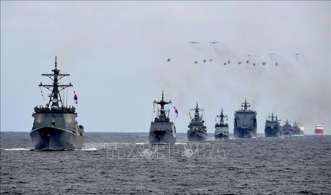 2018韩国海军国际阅舰式开幕 - ảnh 1
