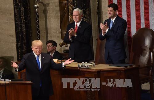 美国总统特朗普发表国情咨文的不同回应 - ảnh 1
