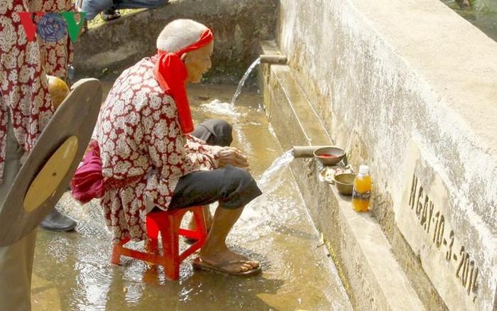 汲水码头祭祀仪式与埃德族人对生活资源的重视 - ảnh 1
