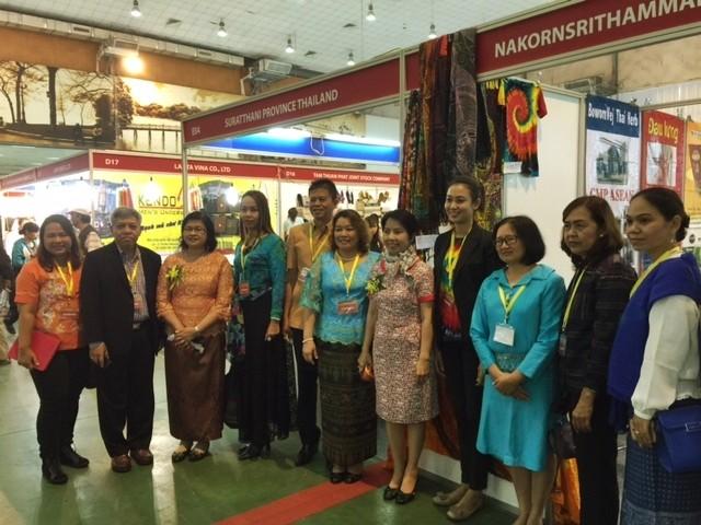 งานแสดงสินค้าไทย MADE IN THAILAND OUTLET 2016 - ảnh 3