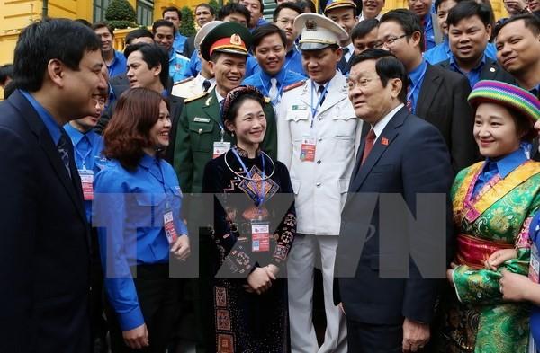 ประธานประเทศ เจืองเติ๊นซาง พบปะกับเจ้าหน้าที่สมาชิกกองเยาวชนดีเด่น - ảnh 1