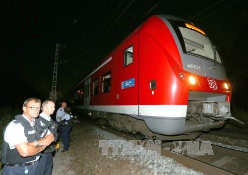 กลุ่มไอเอสออกมายอมรับว่าอยู่เบื้องหลังการโจมตีผู้โดยสารบนรถไฟในเยอรมนี - ảnh 1