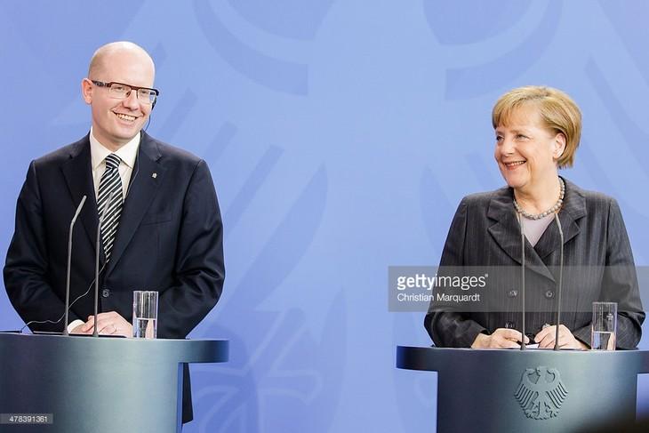 สาธารณรัฐเช็กประท้วงเยอรมนีที่กำหนดโควต้ารับผู้ลี้ภัย - ảnh 1