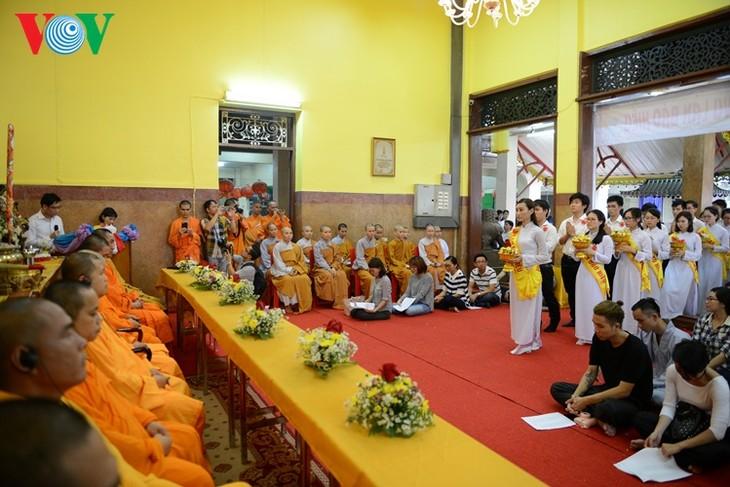 ชาวเวียดนามที่อาศัยในประเทศไทยจัดงานเทศกาลวูลาน  - ảnh 2