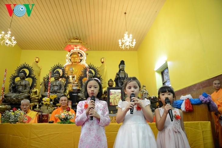 ชาวเวียดนามที่อาศัยในประเทศไทยจัดงานเทศกาลวูลาน  - ảnh 6