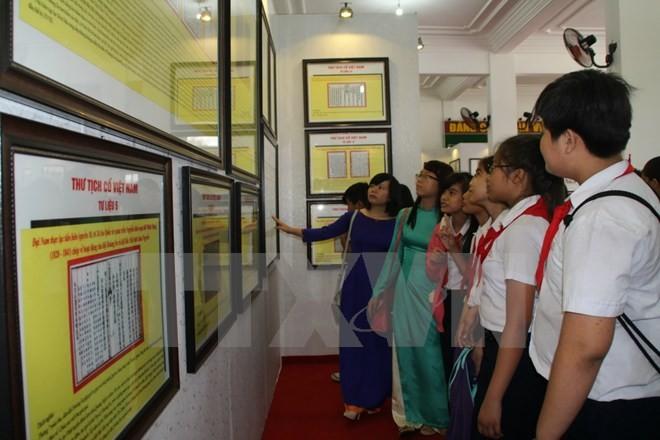 В Чехии проходит фотовыставка, посвященная суверенитету Вьетнама над морем и островами  - ảnh 1