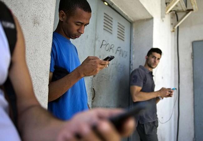 Число пользователей соцсетей на Кубе резко увеличилось в 2016 году - ảnh 1