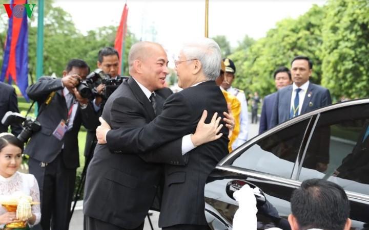 Визит Нгуен Фу Чонга в Камбоджу способстсвует активизации дружеских отношений между двумя странами - ảnh 1