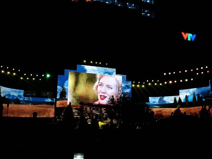 Впечатления от празднования 100-летия Октябрьской революции во Вьетнаме - ảnh 8