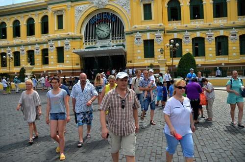 В 2017 году количество иностранных туристов, посетивших Вьетнам, составит 12,9 млн человек - ảnh 1