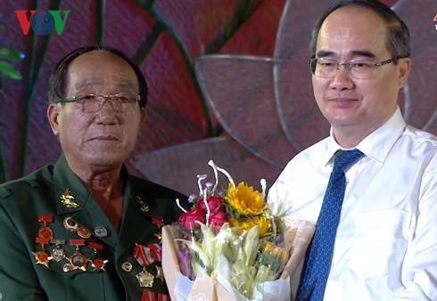 Cостоялся телемост в честь 70-летия со дня призыва Хо Ши Мина к патриотическим соревнованиям - ảnh 1