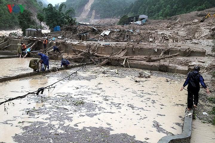 Человеческие жертвы и материальный ущерб от дождевых паводков в провинции Лайчау - ảnh 1
