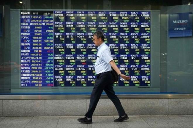 Мировой фондовый рынок восстановился после информации о проведении торговых переговоров между Китаем и США - ảnh 1