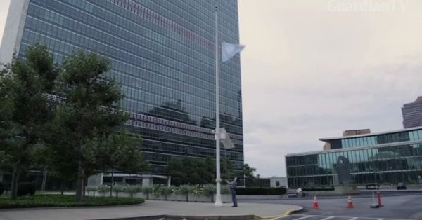 В штаб-квартире ООН в Женеве приспущен флаг в память о Кофи Аннане - ảnh 1