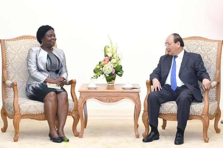 Нгуен Суан Фук принял вице-президента Всемирного банка по Восточной Азии и Тихоокеанскому региону Викторию Квакву - ảnh 1
