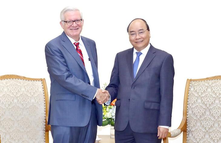 Премьер-министр Вьетнама Нгуен Суан Фук принял замминистра торговли США - ảnh 1