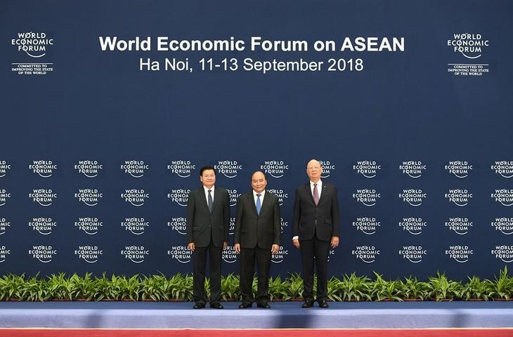 Во Вьетнаме прошла официальная церемония встречи иностранных делегатов, участвуюших в ВЭФ по АСЕАН 2018 - ảnh 1