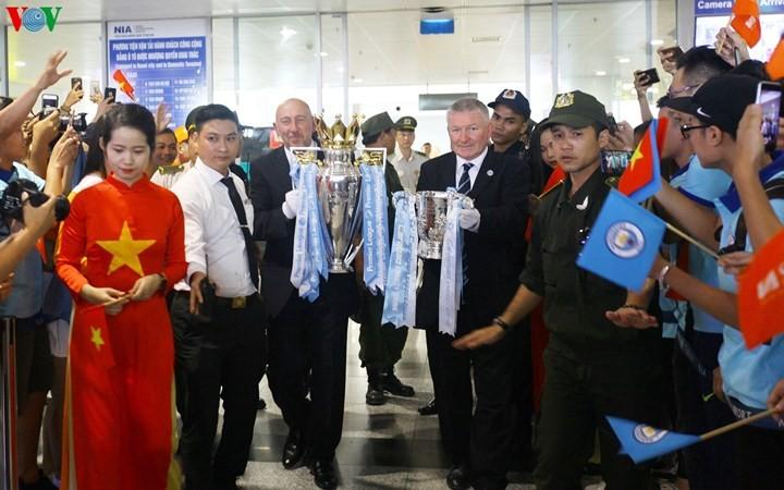 Кубок Английской премьер-лиги прибыл во Вьетнам - ảnh 1