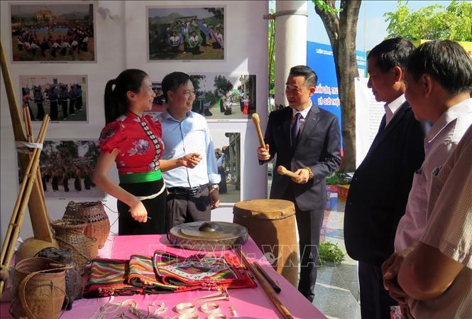 В городе Туенкуанг прошла выставка объектов культурного нематериального наследия  - ảnh 1