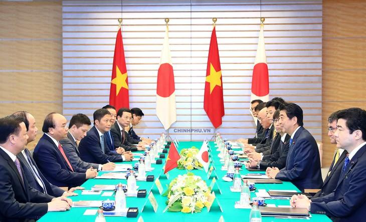Внесение вклада в многостороннее сотрудничество, дальнейшее укрепление стратегического партнерства между Вьетнамом и Японией - ảnh 1
