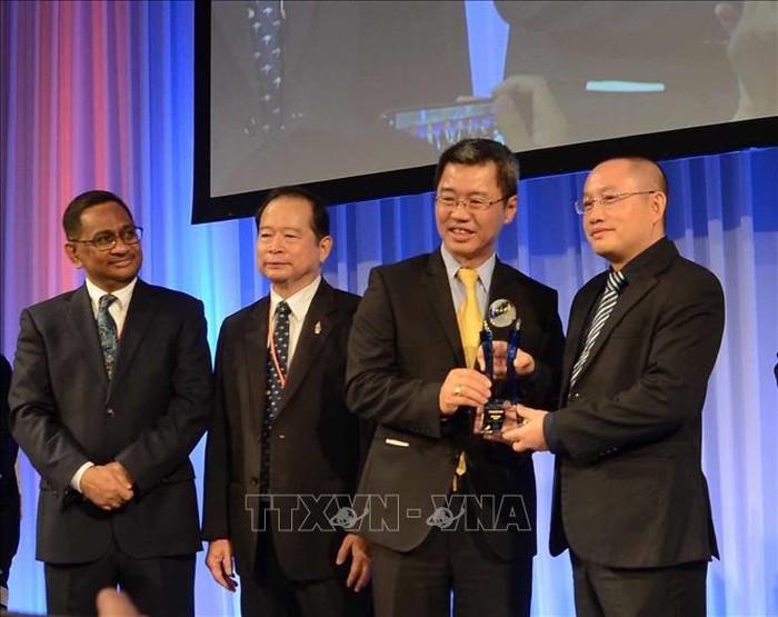Вьетнам получил множество международных премий в области информационных технологий - ảnh 1