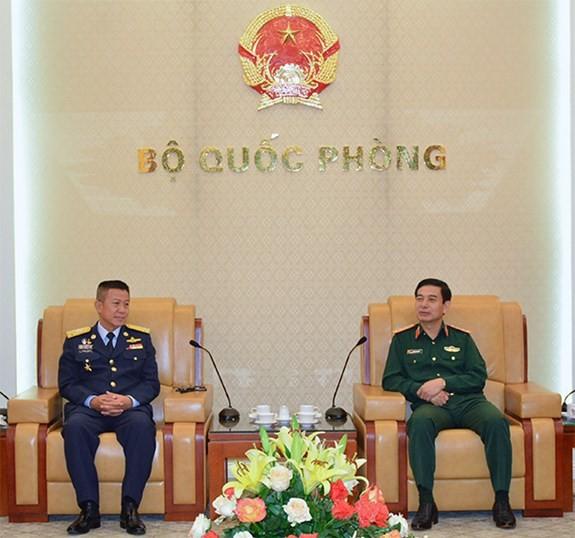 Начальник Генштаба ВНА принял командующего Королевскими ВВС Таиланда - ảnh 1