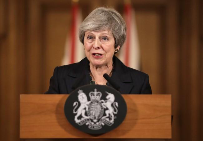 Тереза Мэй исключила возможное вынесение вотума доверия по вопросу Брексита - ảnh 1
