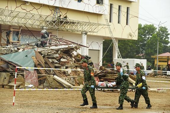 5-й вьетнамо-китайский обмен в сфере пограничной обороны: активизировать деятельность для обеспечения мирных и дружественных пограничных районов  - ảnh 1