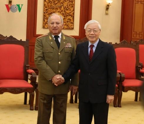 Нгуен Фу Чонг принял делегацию министерства революционных вооруженных сил Кубы - ảnh 1