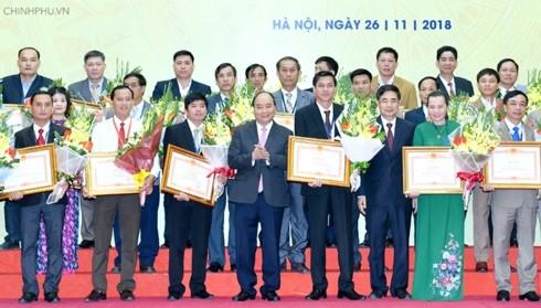 Премьер-министр Вьетнама наградил добившихся больших успехов в сельскохозяйственной сфере - ảnh 1