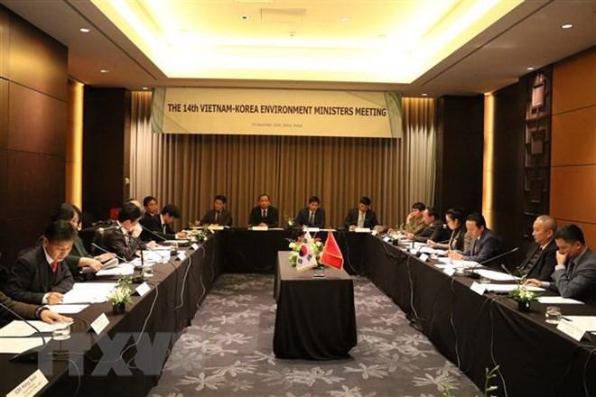 Республика Корея готова помочь Вьетнаму в защите окружающей среды и управлении природными ресурсами - ảnh 1