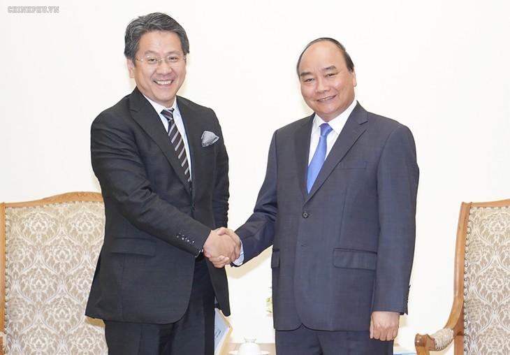 Премьер-министр Вьетнама принял председателя Японского банка международного сотрудничества  - ảnh 1