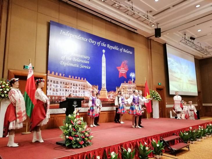 В Ханое прошел прием в честь национального праздника Республики Беларусь - ảnh 2