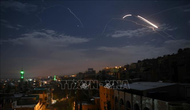 Израиль нанес авиаудары по позициям в Сирии - ảnh 1