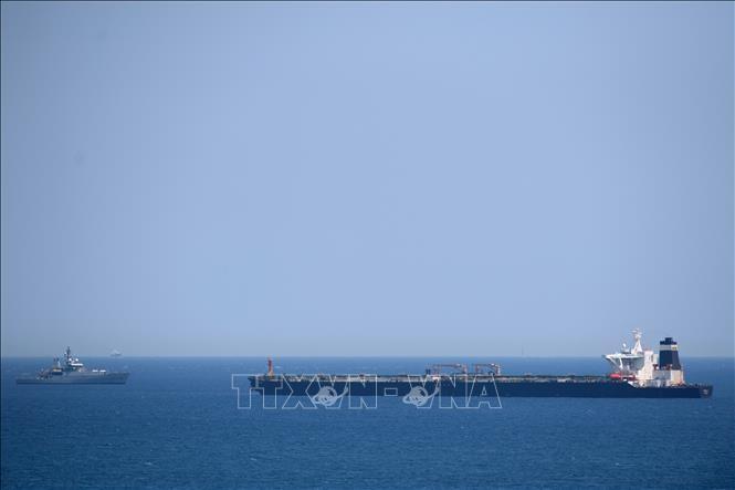 Иран потребовал от Великобритании освободить задержанный нефтяной танкер на Гибралтаре - ảnh 1