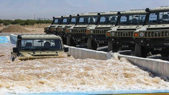 В Иране показали новую военную технику - ảnh 1