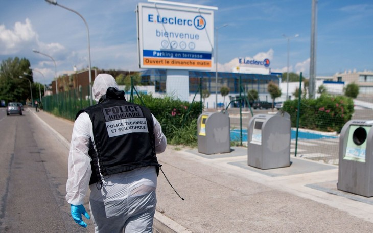 France arrests 10 radical suspects planning anti-Muslim attacks - ảnh 1