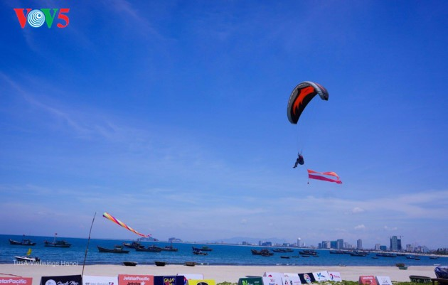 """Flying over Tien Sa 2018"": A chance to admire Da Nang - ảnh 11"