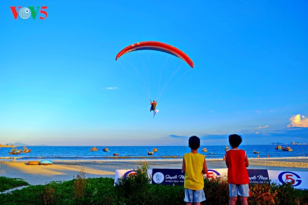 """Flying over Tien Sa 2018"": A chance to admire Da Nang - ảnh 3"
